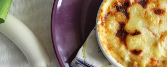 Porri, ortaggi dietetici, gustosi e alleati del cuore assaporali nel gratin con mele in crosta croccante